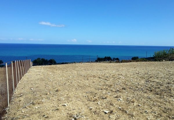 Plot with sea view in Petres